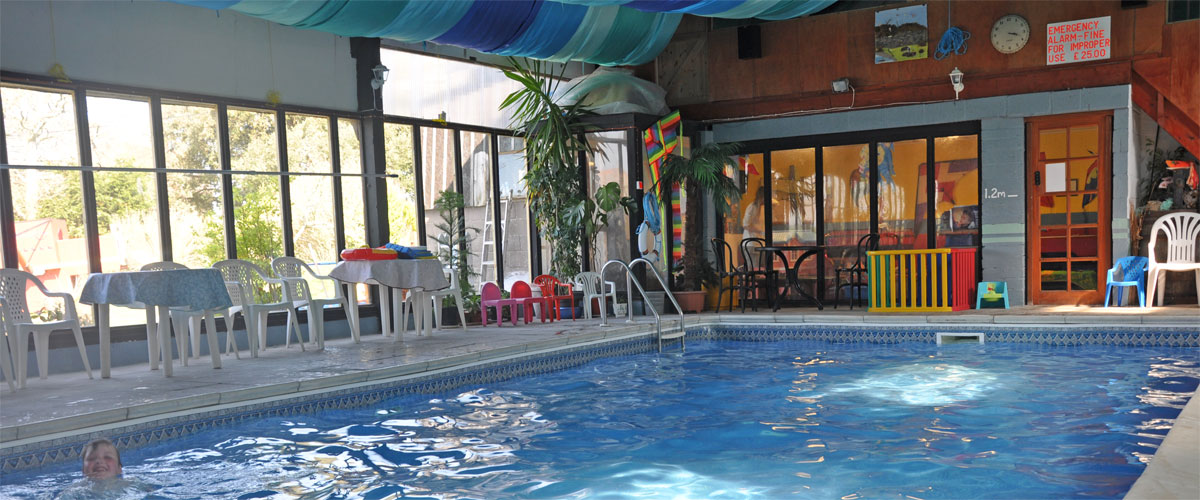 Heated indoor swimming pool (Easter to end October)</a>
