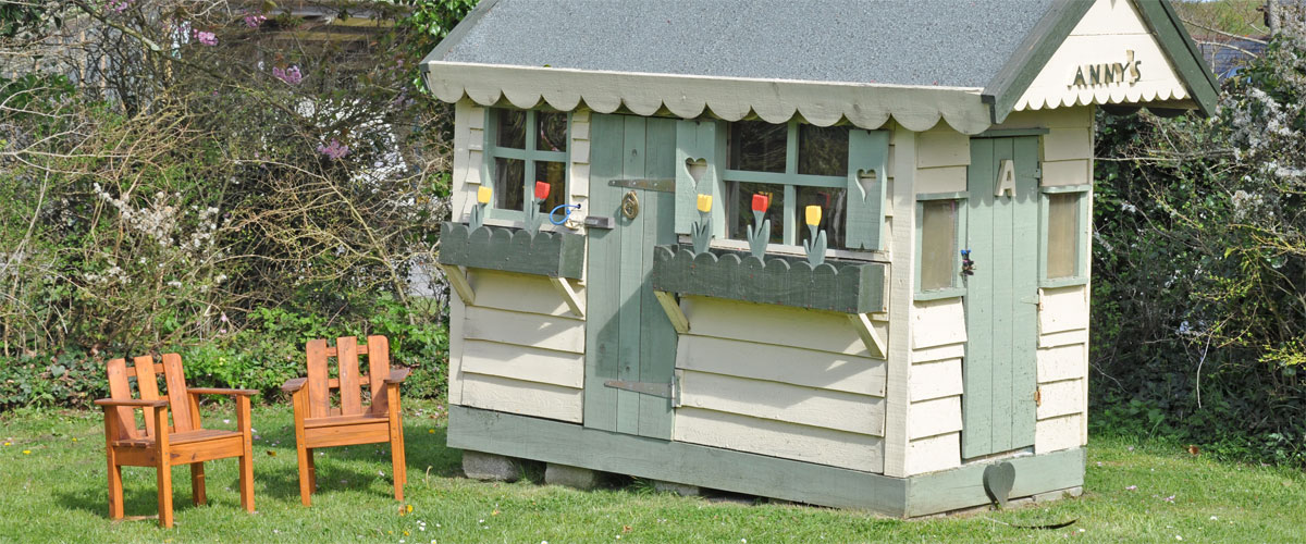 Wendy play house...